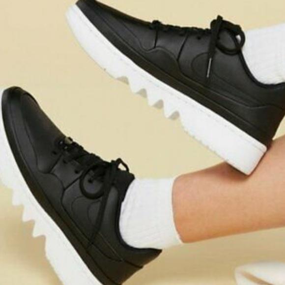 • Air Jordan 1 Jester XX Low Laced Womens Black/wh